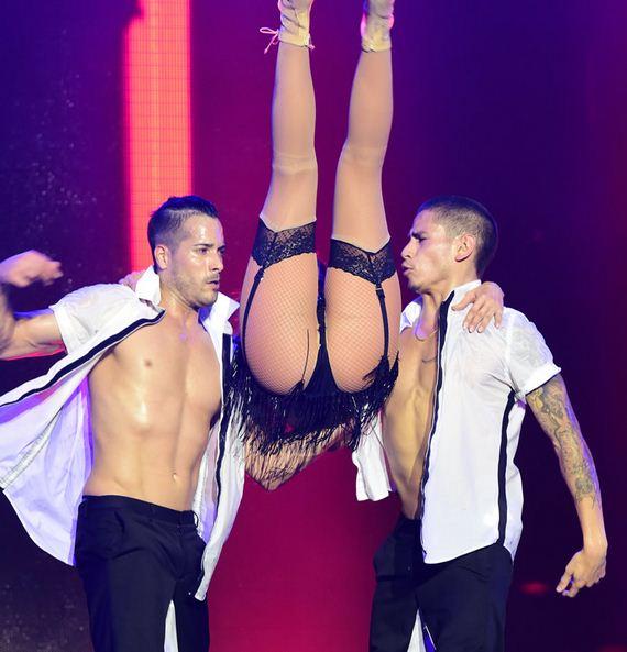 gallery_enlarged-Jennifer-Lopez-Slutty