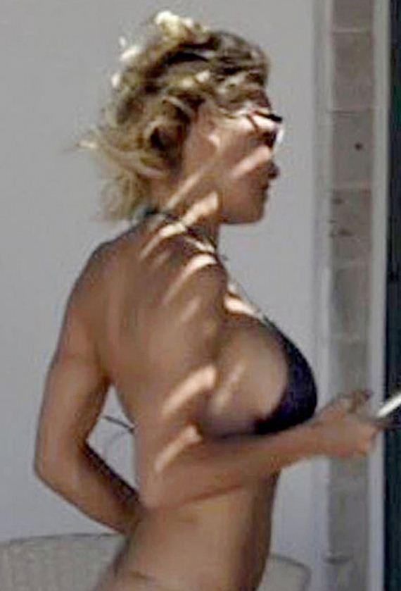 gallery_enlarged-Pamela-Anderson