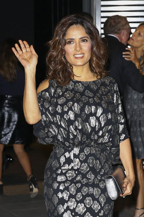 gallery_enlarged-Salma-Hayek-Front-Row-Upskirt