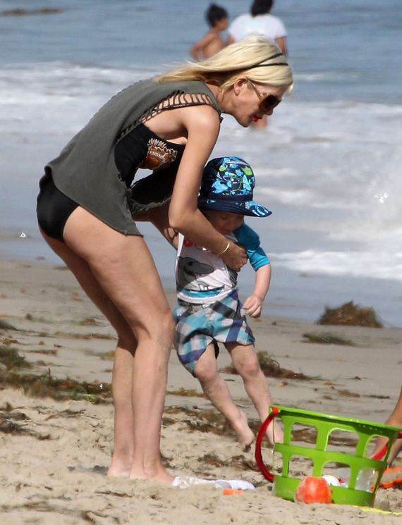 gallery_enlarged-Tori-Spelling