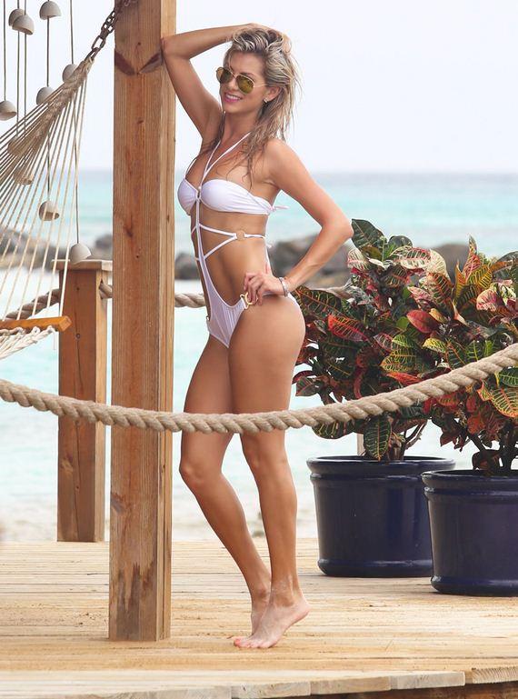gallery_enlarged-Yasmine-Colt-Bikini