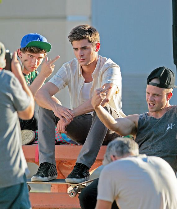 gallery_enlarged-Zac-Efron-Getting