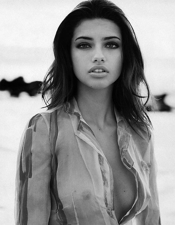 gallery_enlarged-adriana-lima-sexy-feel