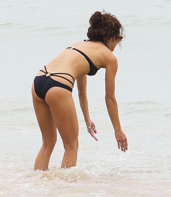 gallery_enlarged-annalynne-mccord