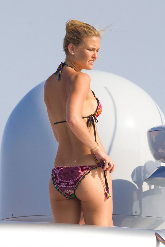 gallery_enlarged-bar-refaeli-ibiza