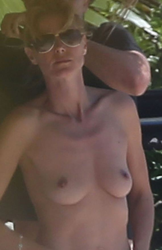 gallery_enlarged-heidi-klum-no-top-boobs