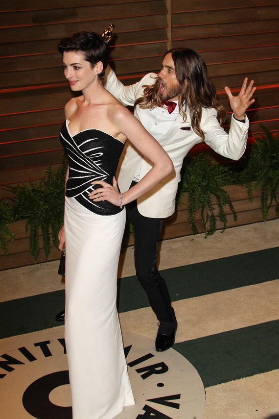 gallery_enlarged-jared-leto-photobomb