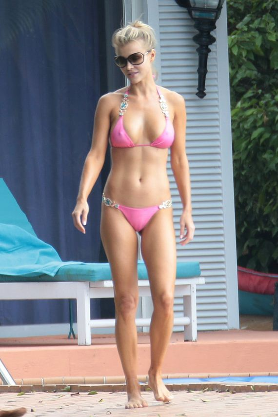 gallery_enlarged-joanna-krupa-bikini