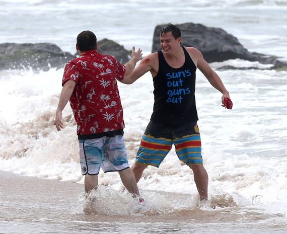 gallery_enlarged-jonah-hill-beached