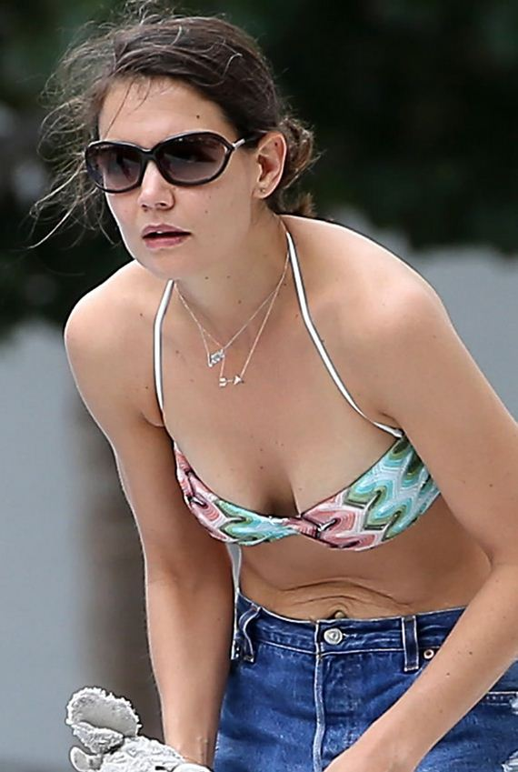 gallery_enlarged-katie-holmes-bikini-top