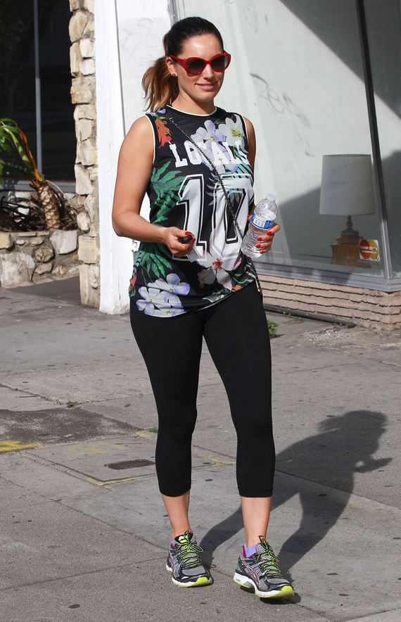 gallery_enlarged-kelly-brook-post-gym