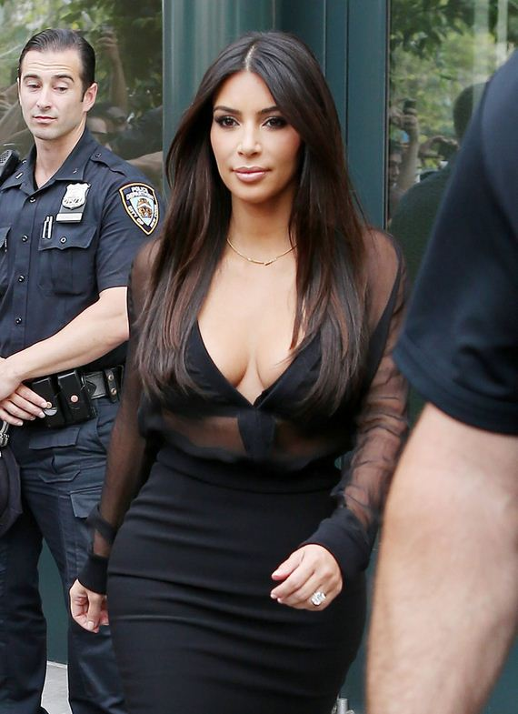 gallery_enlarged-kim-karrdashian-nypd