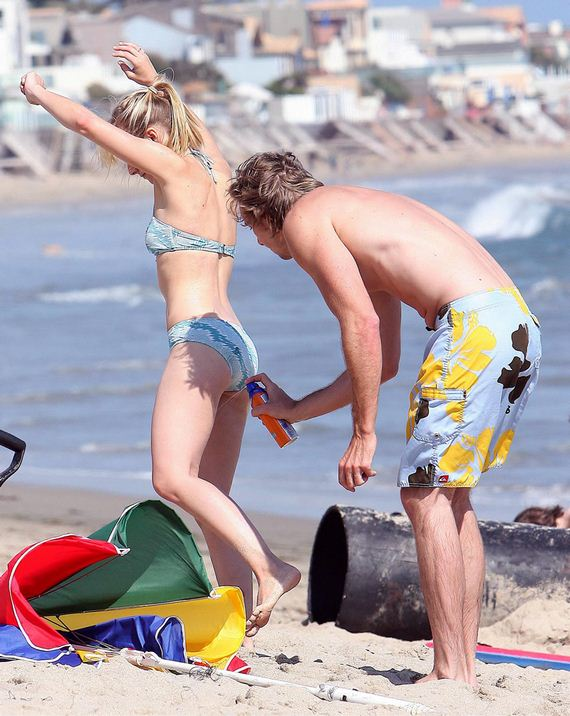 gallery_enlarged-kristen-bell-married