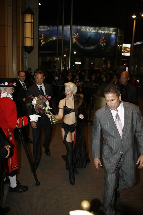 gallery_enlarged-lady-gaga
