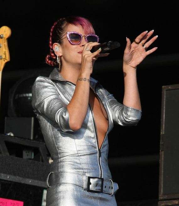 gallery_enlarged-lilly-allen-concert