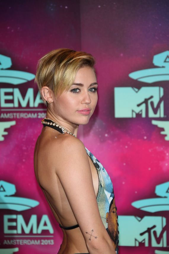 gallery_enlarged-miley-cyrus-s-and