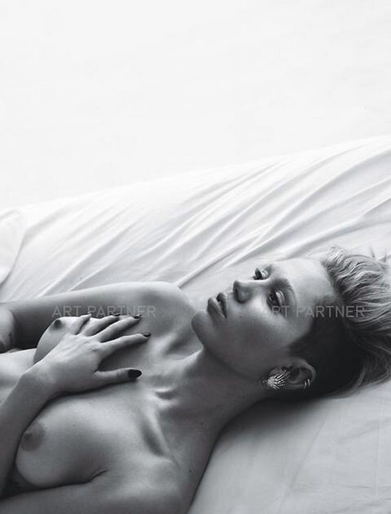 gallery_enlarged-miley-cyrus-topless