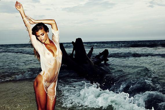 gallery_enlarged-nina-agdal-semi-nude