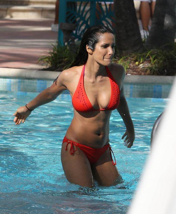 gallery_enlarged-padma-milf-bikini