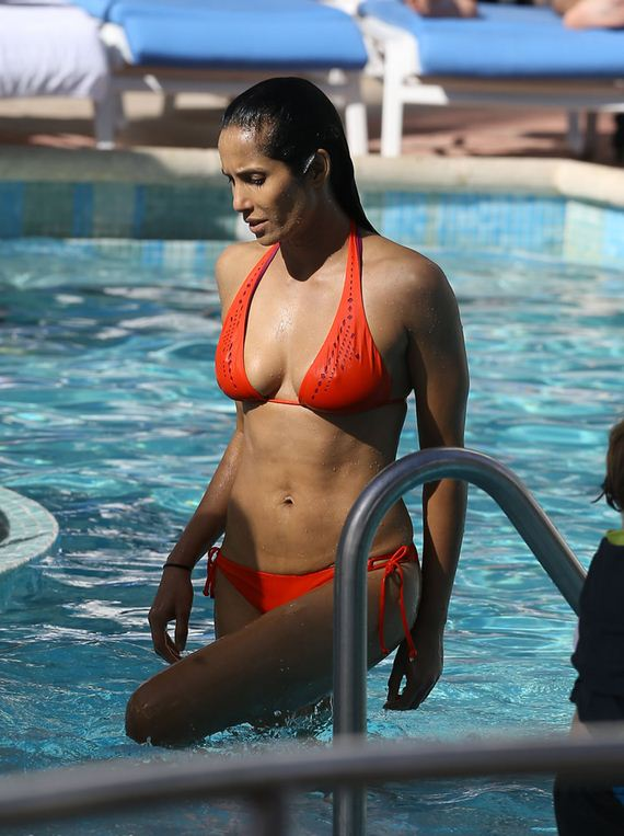gallery_enlarged-padma-milf-bikini