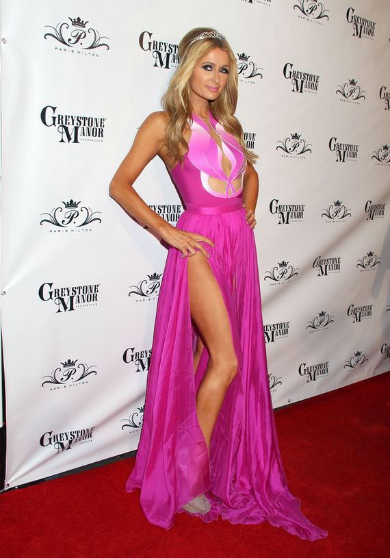 gallery_enlarged-paris-hilton-no-panties-birthday