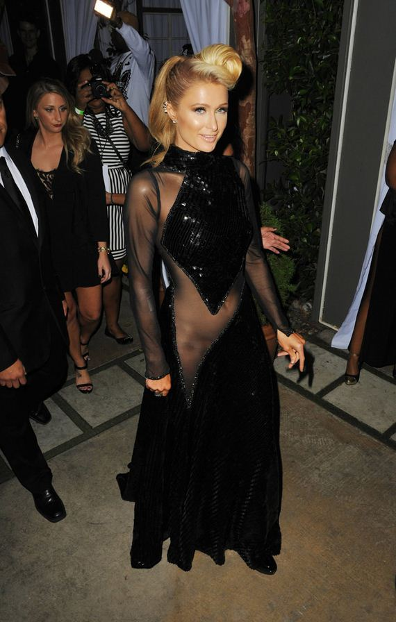 gallery_enlarged-paris-hilton-no-underwear-dress