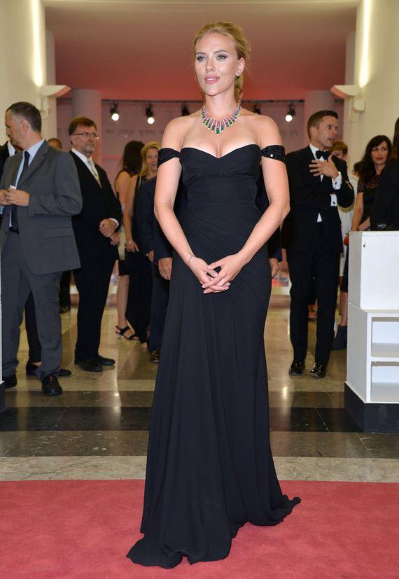 gallery_enlarged-scarlett-johansson-is-pregnant