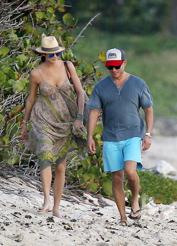 gallery_enlarged-stacy-keibler-st-barts-beach-walk