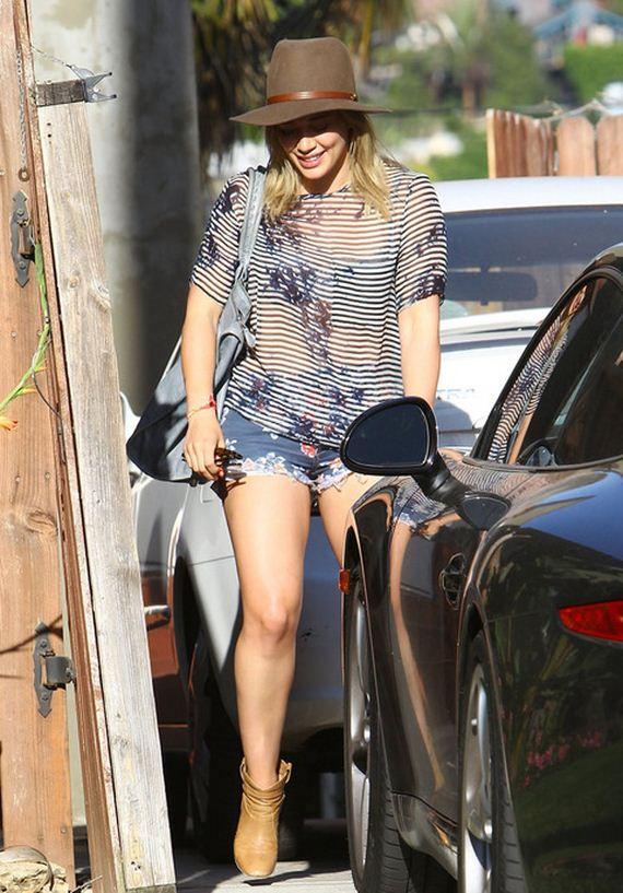 gallery_main-Hilary-Duff-Ripped