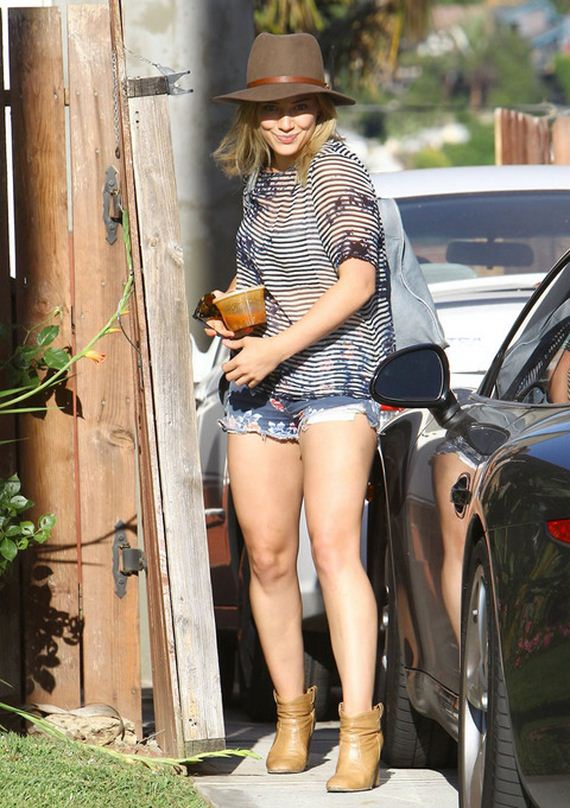 gallery_main-Hilary-Duff-Ripped