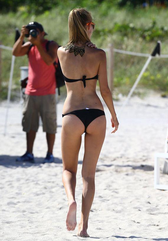 gallery_main-Sveva-Alviti-Bikini