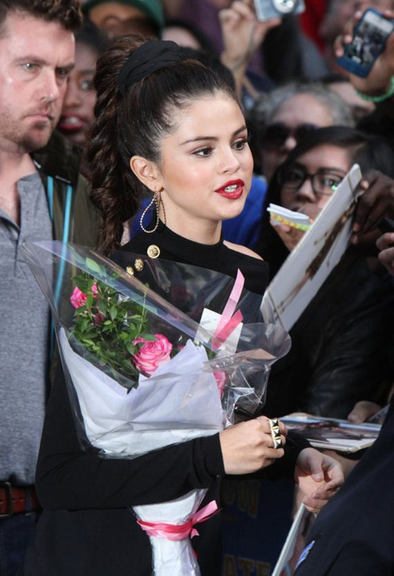 gallery_main-selena-gomez-late-show