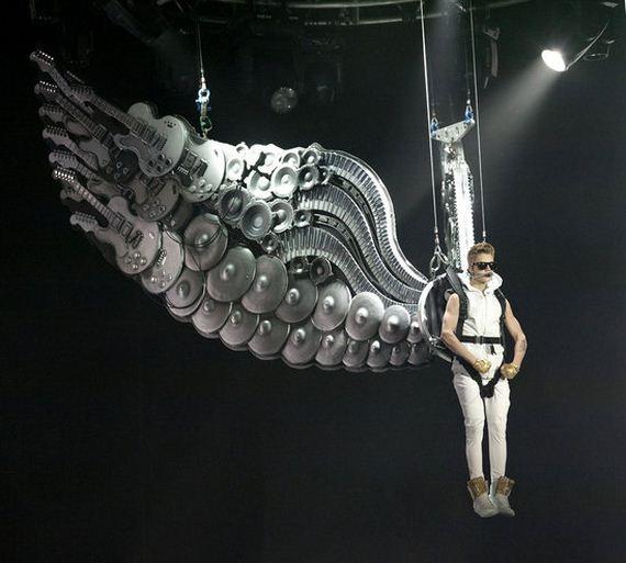justin_biebers_angel_wings_cool_