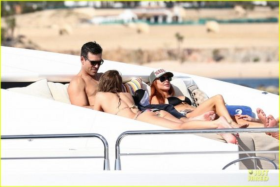 leann-rimes-in-bikini-in-cabo