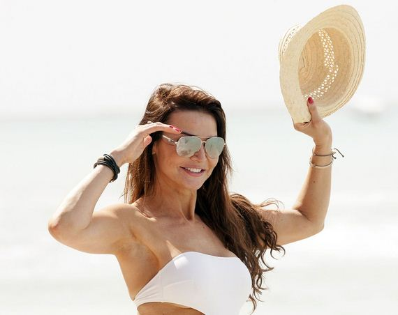 lizzie-cundy-in-swimsuit-at-a-beach-in