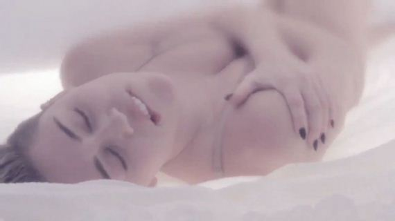 miley-cyrus-adore-you-music-video-still