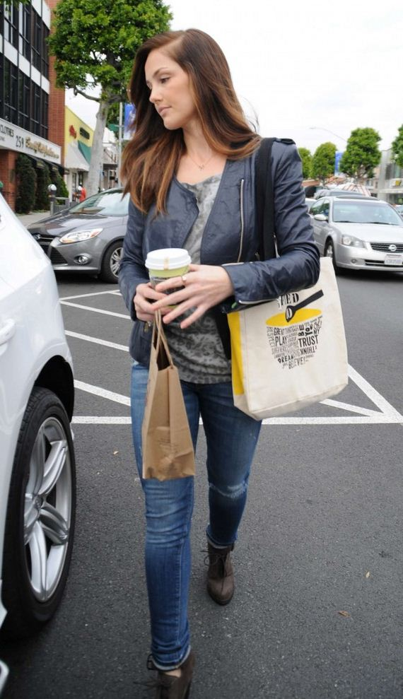 minka-kelly-at-urth-cafe-in-beverly-hills