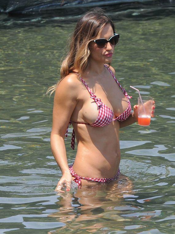 ola_ponce_bikini_boobs