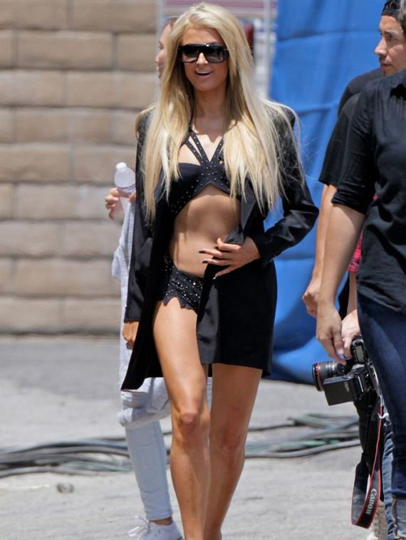 paris-hilton-on-the-set-of-her