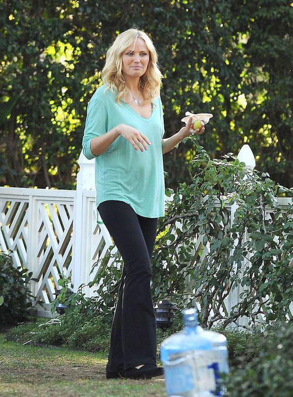 pregnant_malin_akerman_shows_off_her_cute_baby_bump