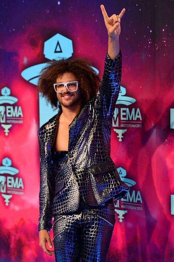 redfoo-plays-host