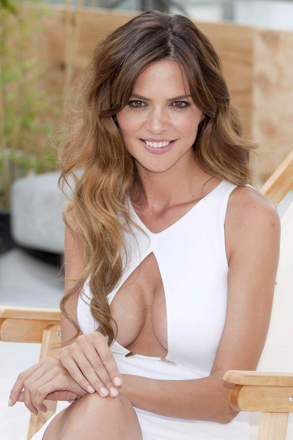 romina_belluscio_wow_cleavage