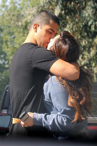 stars-french-kissing