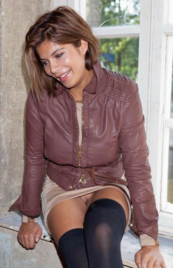 Indira Weis Pantyless Upskirt At The Brandenburg Gate