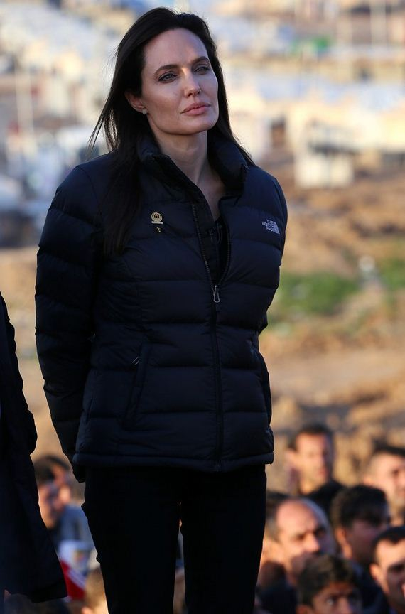 Angelina-Jolie-Refugee-Camp