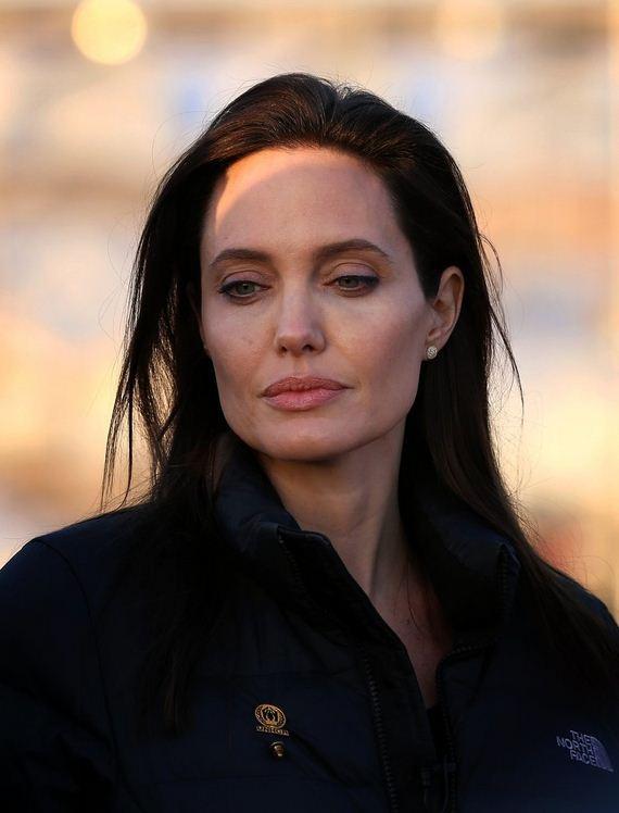 Angelina-Jolie-Refugee-Camp