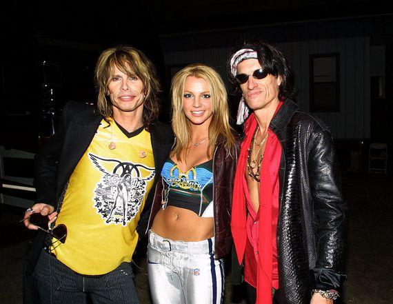 Britney-Spears-Steven-Tyler-Super-Bowl-2015