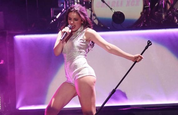 Charli-XCX -Performs-in-Milan