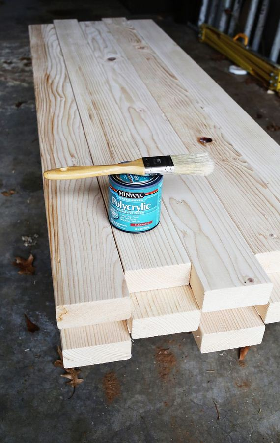 DIY-Wooden-Coffee-Table