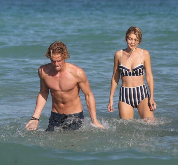 Gigi-Hadid-in-Bikini
